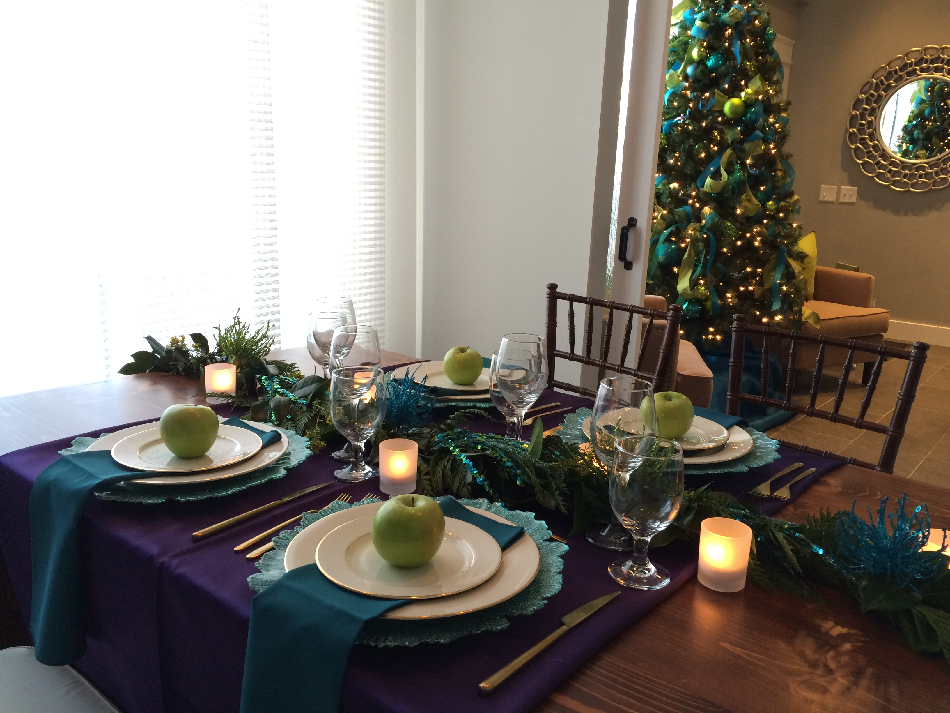 Holiday Tablescape Ideas With Lecroissant