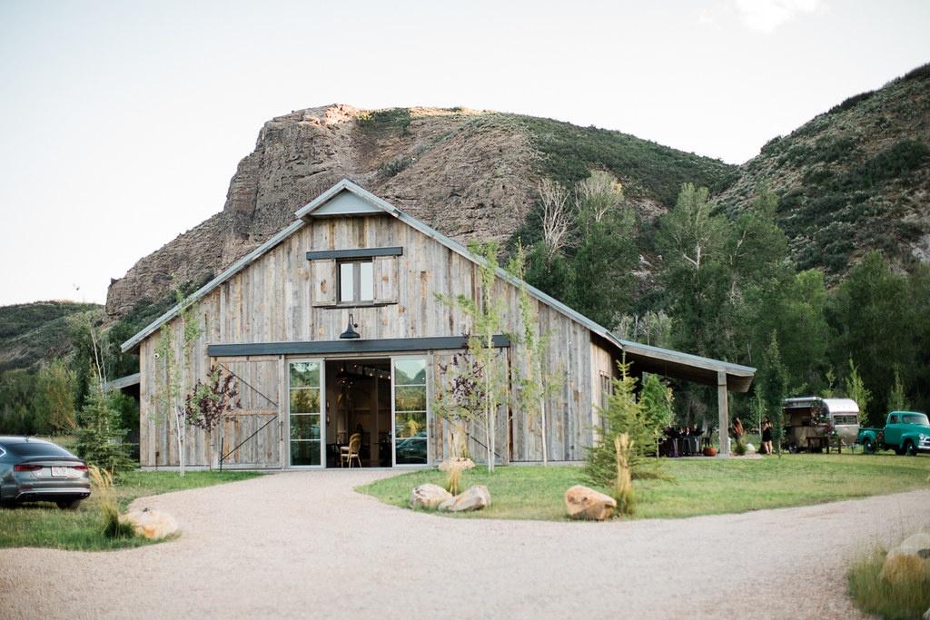 4U Ranch Rustic Countryside Barn Wedding & Event Venue